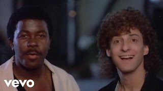 Клип Kenny G - Love On The Rise ft. Kashif