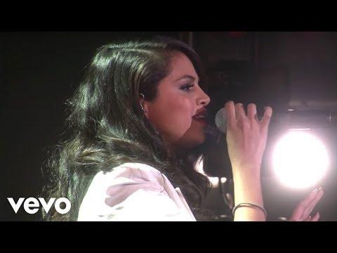 Selena Gomez - Same Old Love (Live On Ellen)