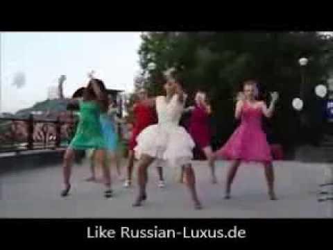 Russische Hochzeit - Braut macht ein geiles Geschenk
