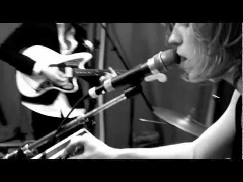 The Royal Concept - World On Fire (Live @ Basement, 2013)