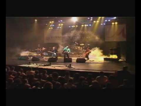 Щурците и D2 - Две следи (live)