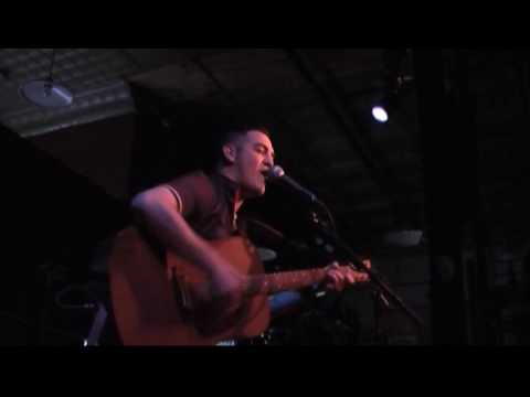 Bob Pepek opening for Julia Nunes - Misery Business (Cover) Video