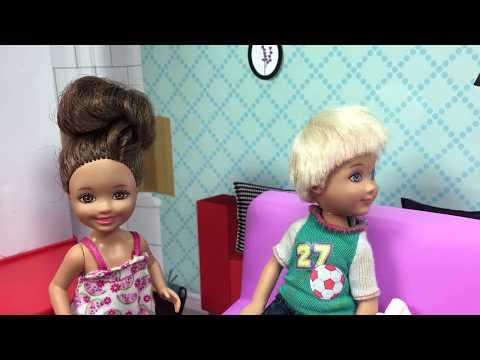 Barbie ve Ailesi Bölüm 110 - Oyun oynarken - Çizgi film tadında Barbie oyunları