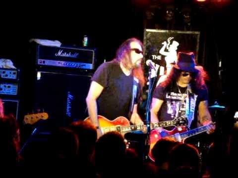 Ace Frehley (feat. Slash) LIVE