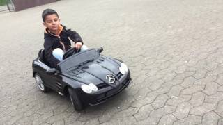 Kids race super black electric car Mercedes Wooouw !!