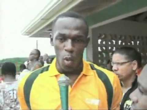 Usain Bolt Gets Chris Gayle Out!! video