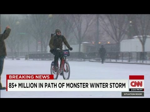 Washington snowstorm heading into heaviest stages