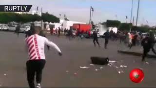 اندلعت اشتباكات عنيفة في الدار البيضاء بين الشرطة المغربية والمهاجرين الأفارقة حين حاول أفراد الشرط