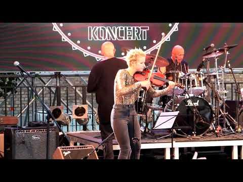 MINI - Vissza a városba (50 év rock koncert a Várkert Bazár Öntőház udvarán)