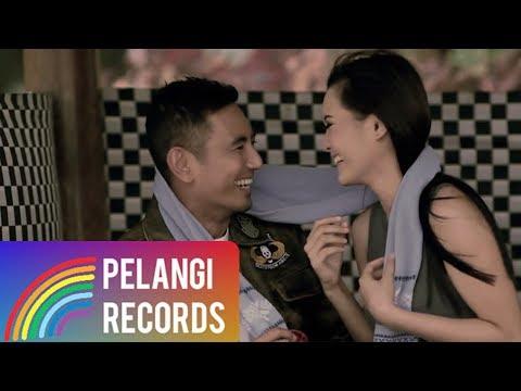 Rio Febrian - Mengerti Perasaanku (Official Music Video) | Soundtrack Siapa Takut Jatuh Cinta
