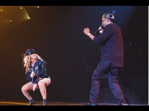 "BEYONCE & JAY Z PERFORM ""TOM FORD"" IN BROOKLYN AND STEAL KISS!"