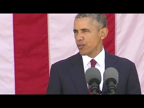 Obama honors fallen soldiers on Memorial Day