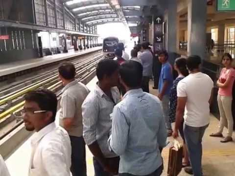 Metro Rail Bangalore - Place to visit in Bangalore - India