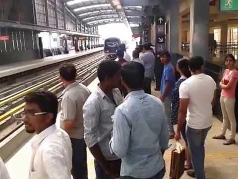 Metro Rail Bangalore - Place to visit in Bangalore - India