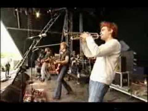 "Dandy Warhols ""Bohemian Like You"" Live at Glastonbury 2002"