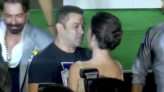 Salman Khan HUGS & KISSES HOT Amy Jackson?