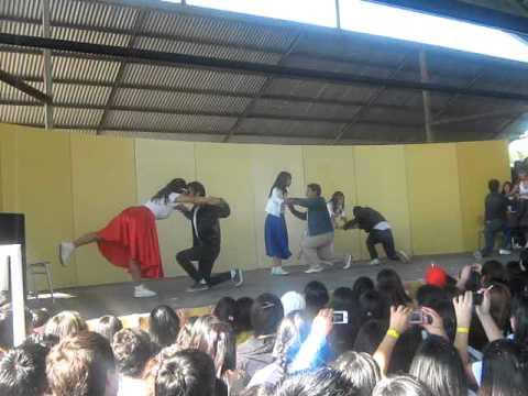 """coreografria """"Grease Brillantina"""" liceo comercial de San Bernardo"""