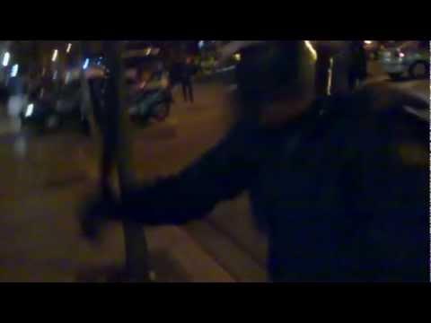 Afeccionado é golpeado pola policía mentres filmaba á saída do Celta-Depor