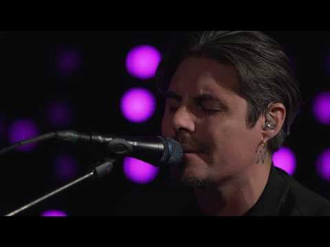 Low Roar - Bones (Live on KEXP)