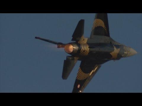 2013 Międzynarodowe Pokazy Lotnicze Radom AIR SHOW -  Turecki F-16 Solo Turk