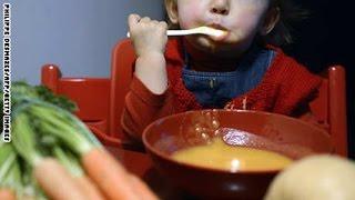 كيف تشجع طفلك على تناول الأغذية الصحية؟