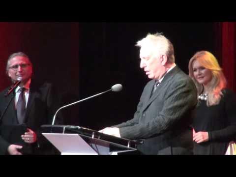 Alan Rickman Odbiera Nagrodę Im. Krzysztofa Kieślowskiego Na Festiwalu Camerimage W Bydgoszczy