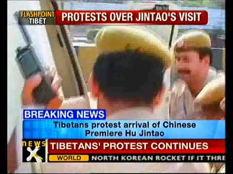 Tibetans protest over Chinese premiere's visit to Delhi-NewsX