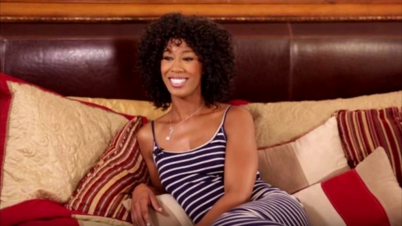 Black dime Misty Stone giving large cock oral sex before intercourse on couch № 614921  скачать
