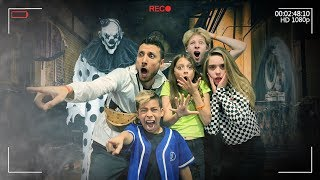 Last To SCREAM Wins $5,000 Challenge! *HALLOWEEN MAZE* | The Royalty Family