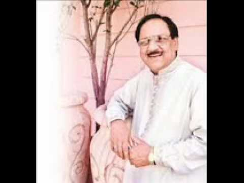 Ghulam ali live ghazal kahan aa ke rukne (rare)