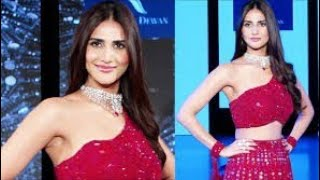 WAR BABE Vaani Kapoor DAZZLES On Ramp Walk For Rebecca Dewan The Wedding Junction