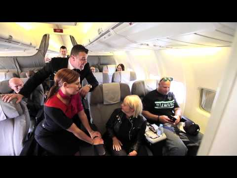 Glee's Lauren Potter given Aussie welcome on Qantas flight