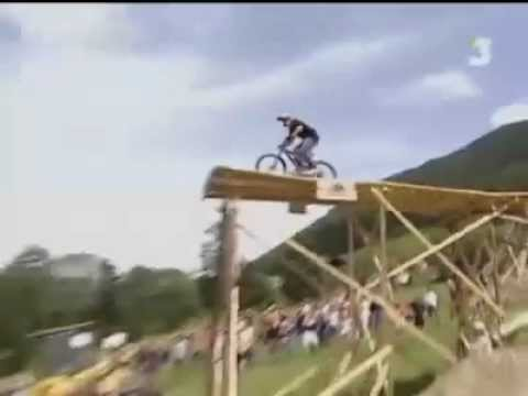 Adrenalin horská kola skoky mountain bike BMX Downhill Freeride Freestyle ADIDAS