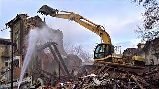 JCB JS 240 Demolition Excavator destroys house - JCB Digger at Work