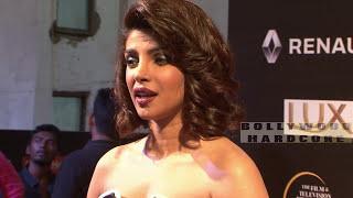 सेक्सी Priyanka Chopra अपने ही सेक्स सीने देखने के बाद पानी पानी हो गई