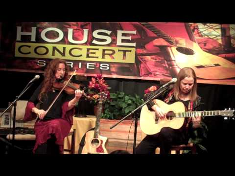 Kate MacLeod and Kat Eggleston - Over the Moor to Maggie/The Flogging Reel