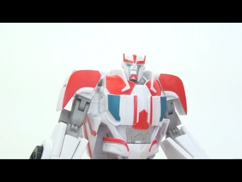 Video Review of the Transformers Prime (RiD) Deluxe Class: Ratchet