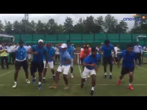 Leander Paes, Bopanna dances on Afghan Jalebi after Davis Cup win, watch video | वनइंडिया हिन्दी