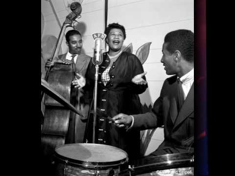 Ella Fitzgerald - The One I Love Belongs To Somebody Else
