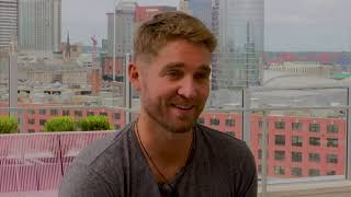 Download Lagu Brett Young's fiancée is inspiration for new record Gratis STAFABAND