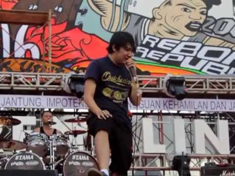 Deadsquad -  Anatomy Of Sins (live At Soundrenaline Jogja 2013) video