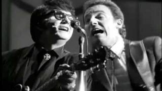 Watch Roy Orbison Sweet Dreams video