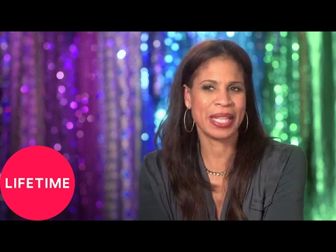 Dance Moms: Moms' Take: Brides and Babies (S5, E29)