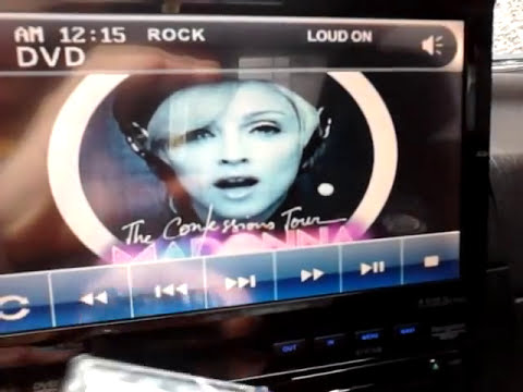 SOUNDSTREAM Sistema de Sonido con lector de DVD. Pantalla táctil 7