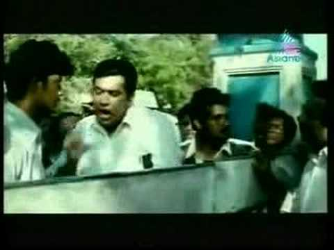 Aayiram Naavulla Ananthan   Mammootty Gowthami Part 13 video