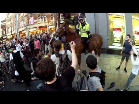 Police Violence at Critical Mass London NB: NOT THE EVENT AT THE OLYMPIC PARK!