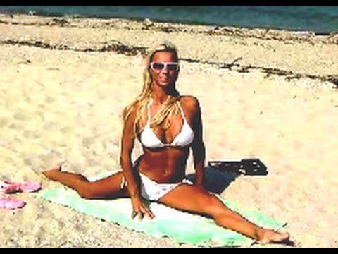 Splits Bikini Yoga   Flexible Girl