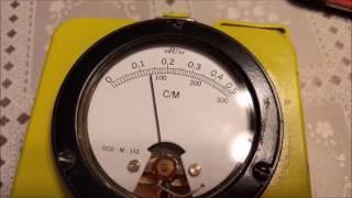 Uranium-Vaseline Glass Radioactivity with CDV-700 Geiger Counter