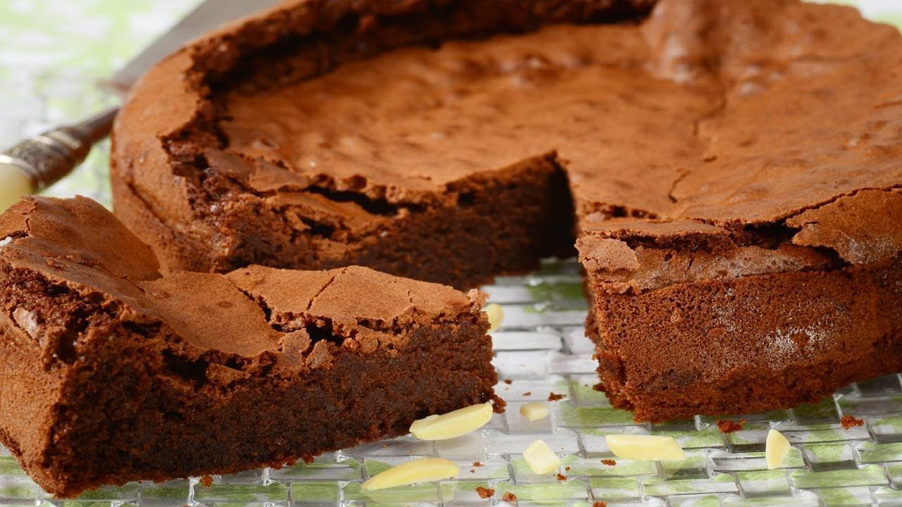 Flourless Chocolate-Almond Cake With Almond-Cherry-Caramel Glaze ...