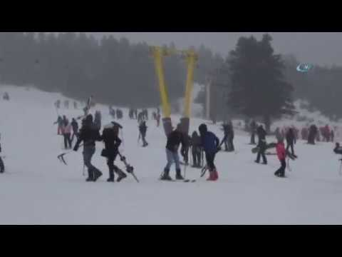 Kayak Merkezlerinde Adım Atacak Yer Kalmadı